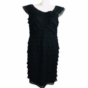London Times tiered lace accent formal dress. 14W